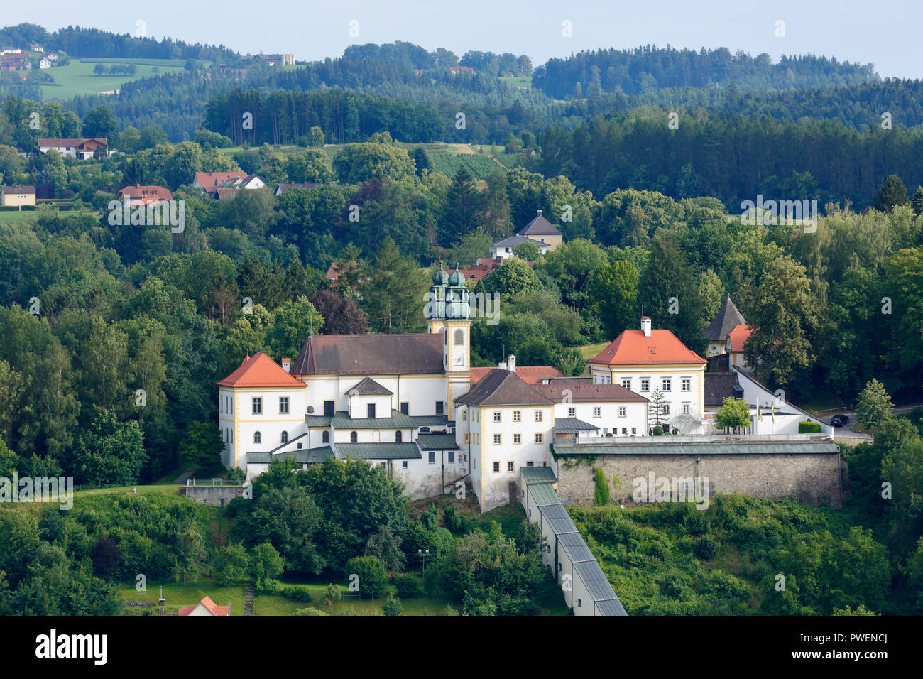D-Passau, Danube, Inn, Ilz, D-Passau-Innstadt, pilgrimage church and monastery Maria Hilf, baroque, landscape, panoramic view, hilly country, woodland, forested area - Stock Image