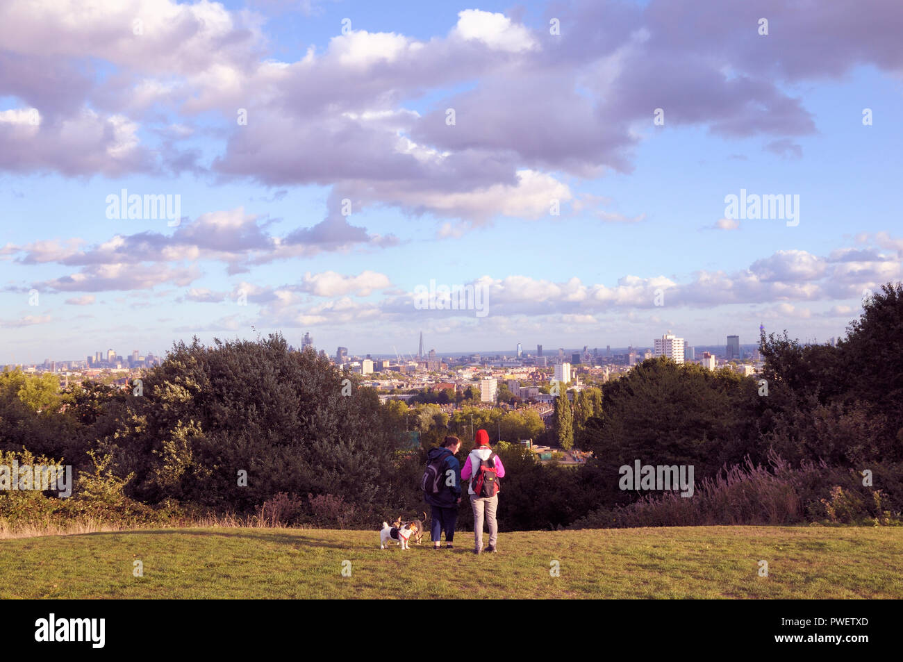 A view of London from Parliament Hill, Hampstead Heath, London NW3, England, UK - Stock Image