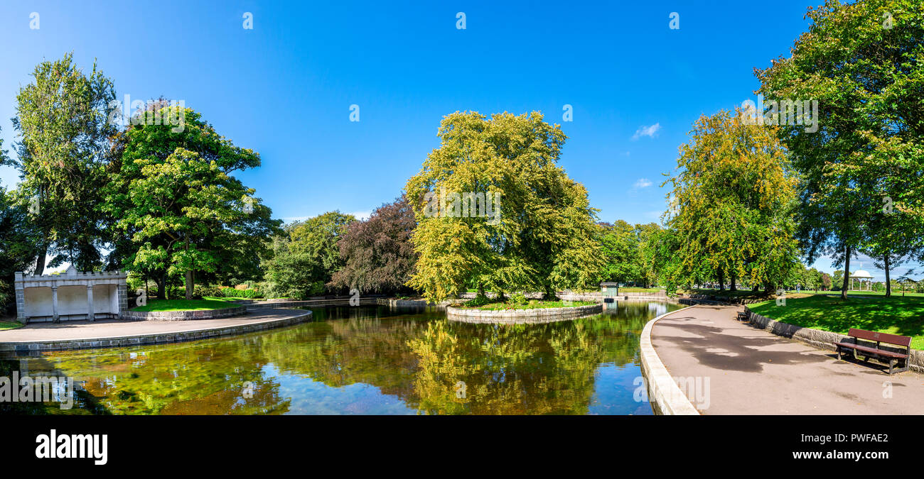 A small pond in Duthie park, autumn 2017, Aberdeen, Scotland - Stock Image