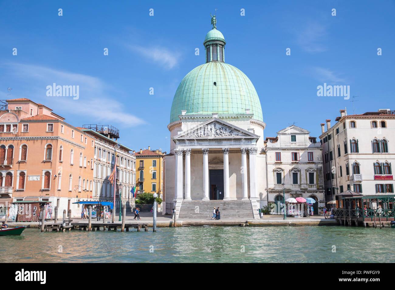 Chiesa di San Simeone Piccolo (Church of San Simeone Piccolo) in Venice, Italy. - Stock Image