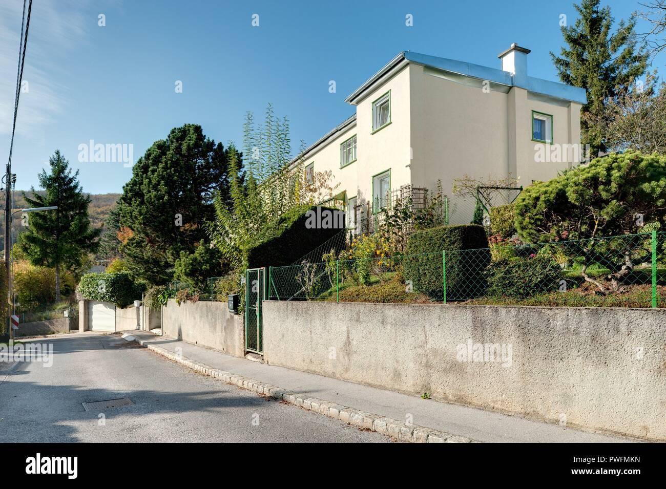 Wien, Wohnbau der Zwischenkriegszeit, Siedlung Heuberg nach einem Konzept von Adolf Loos, 1924 - Stock Image