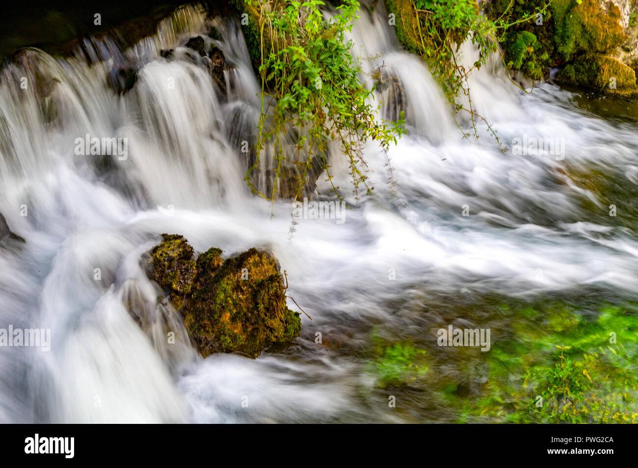 France. Vaucluse (84). Fontaine de Vaucluse. Source of the Sorgue. Exsurgence largest metropolitan France Stock Photo