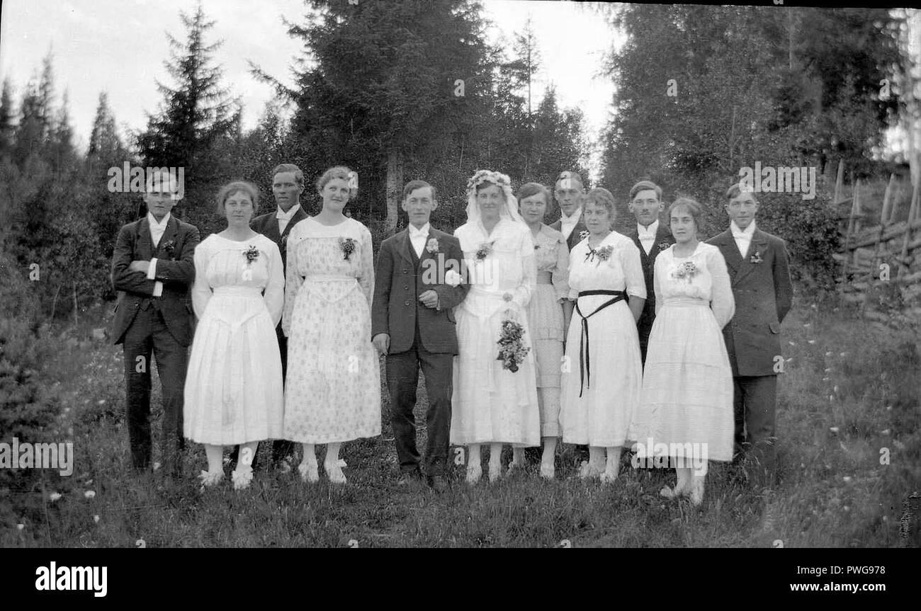 Bröllopsfoto i det gröna, tidigt 1900-tal. Lima, Dalarna - Nordiska Museet - NMA.0051015. - Stock Image