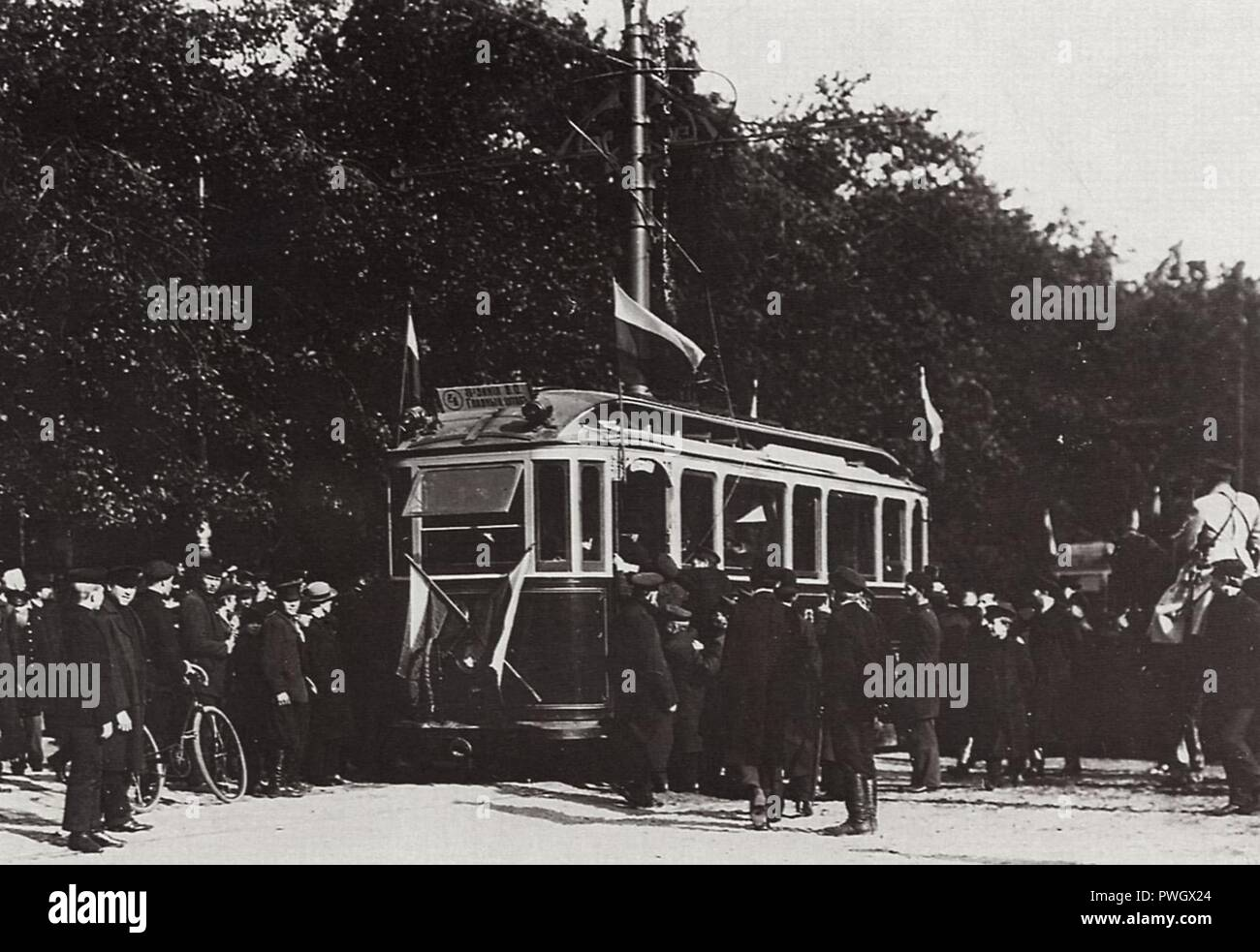 Bulla, Karl Karlovič - Feierliche Eröffnung des Straßenbahnverkehrs. St. Petersburg - Stock Image