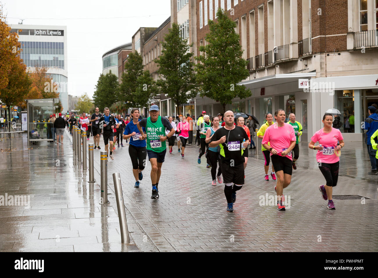 exeter great west run,exeter's great west run,the heart of Exeter.,running calendar. half marathon ,traffic-free roads,,sprinting, sprint, racing,'mar Stock Photo