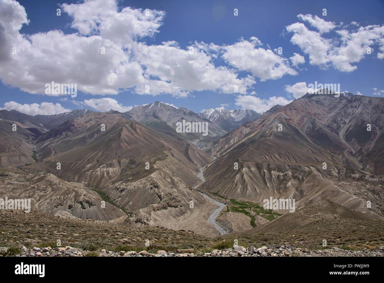 Looking into the Wakhan Valley and Afghanistan Hindu Kush, Langar, Tajikistan - Stock Image