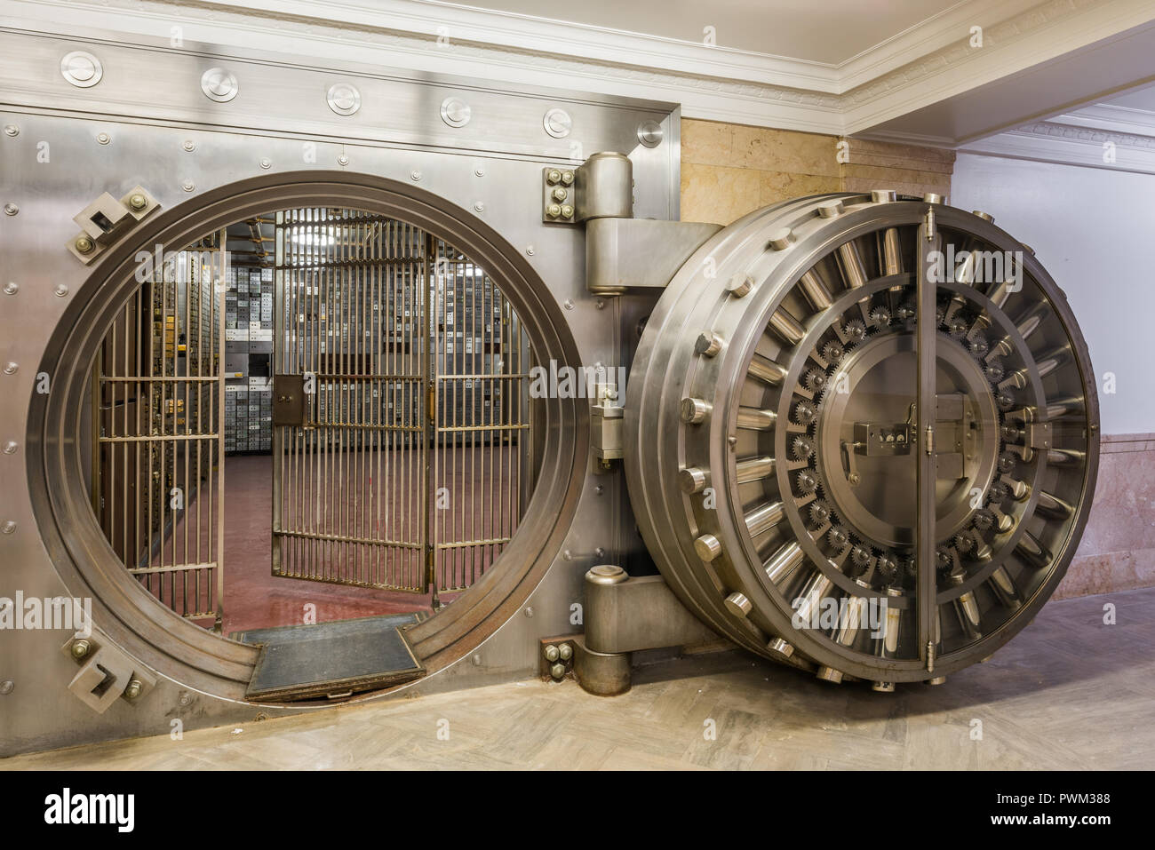Bank vault in the basement of the Gary State Bank building - Stock Image