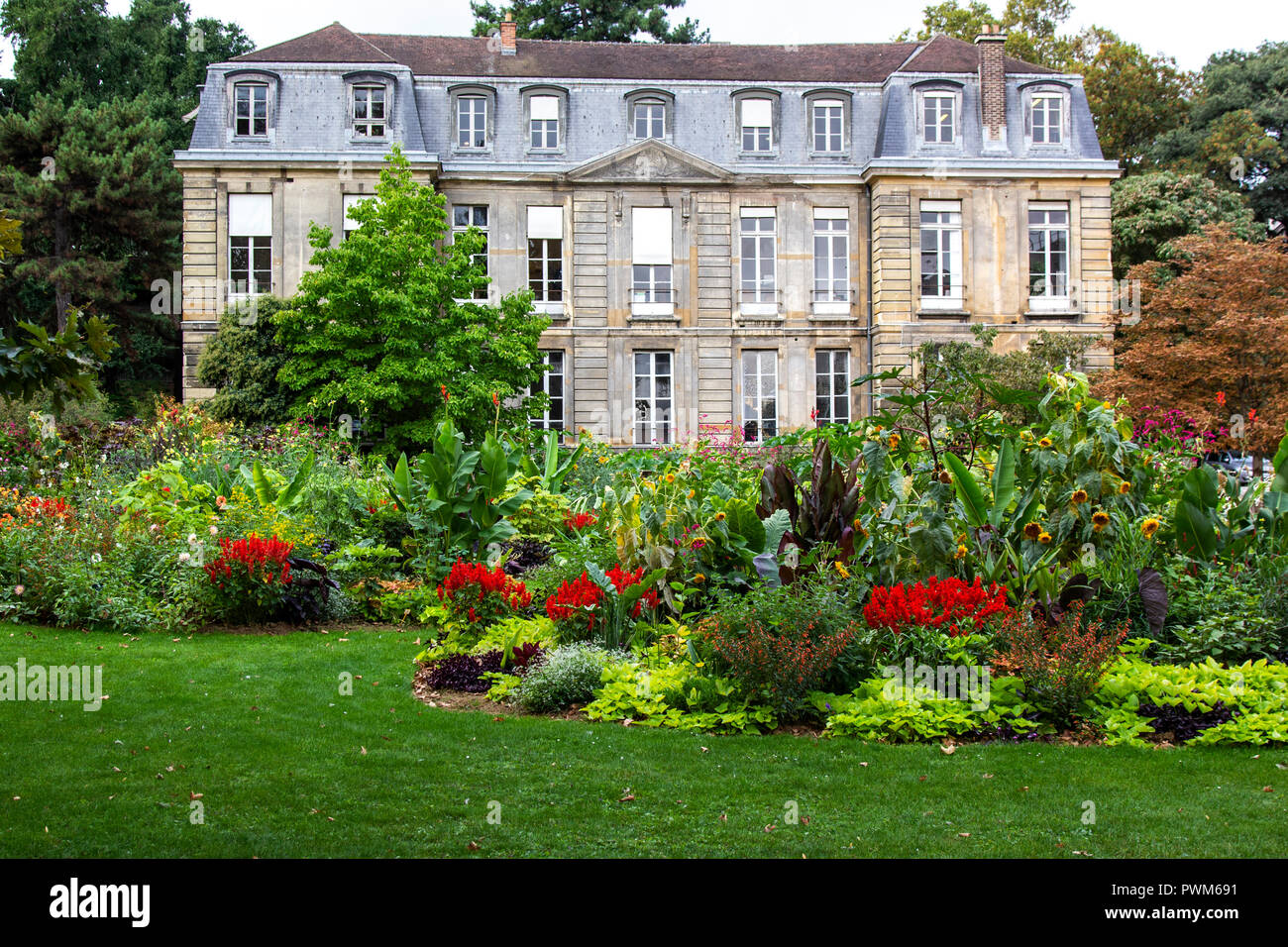 The Jardin des Plantes is one of seven departments of the Museum National d'Histoire Naturelle.  Three hectares are devoted to horticultural displays  Stock Photo