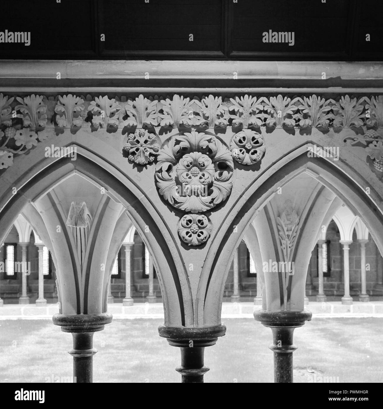 Sculptured arcade. Cloister of the Merveille. Mont St Michel, Normandy, France. - Stock Image