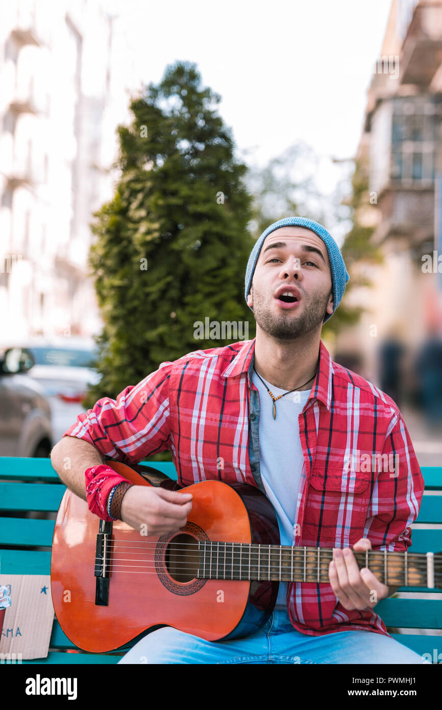 Single Minded Stock Photos Images Alamy Selis Epic Open Street Musician Voicing Emotions Through Song Image