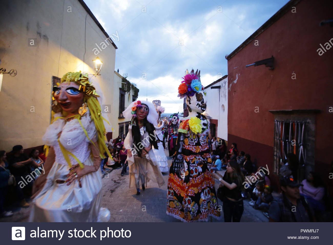 Mojigangas, giant puppets, dancing in an anual parade in San Miguel de allende, Mexico - Stock Image