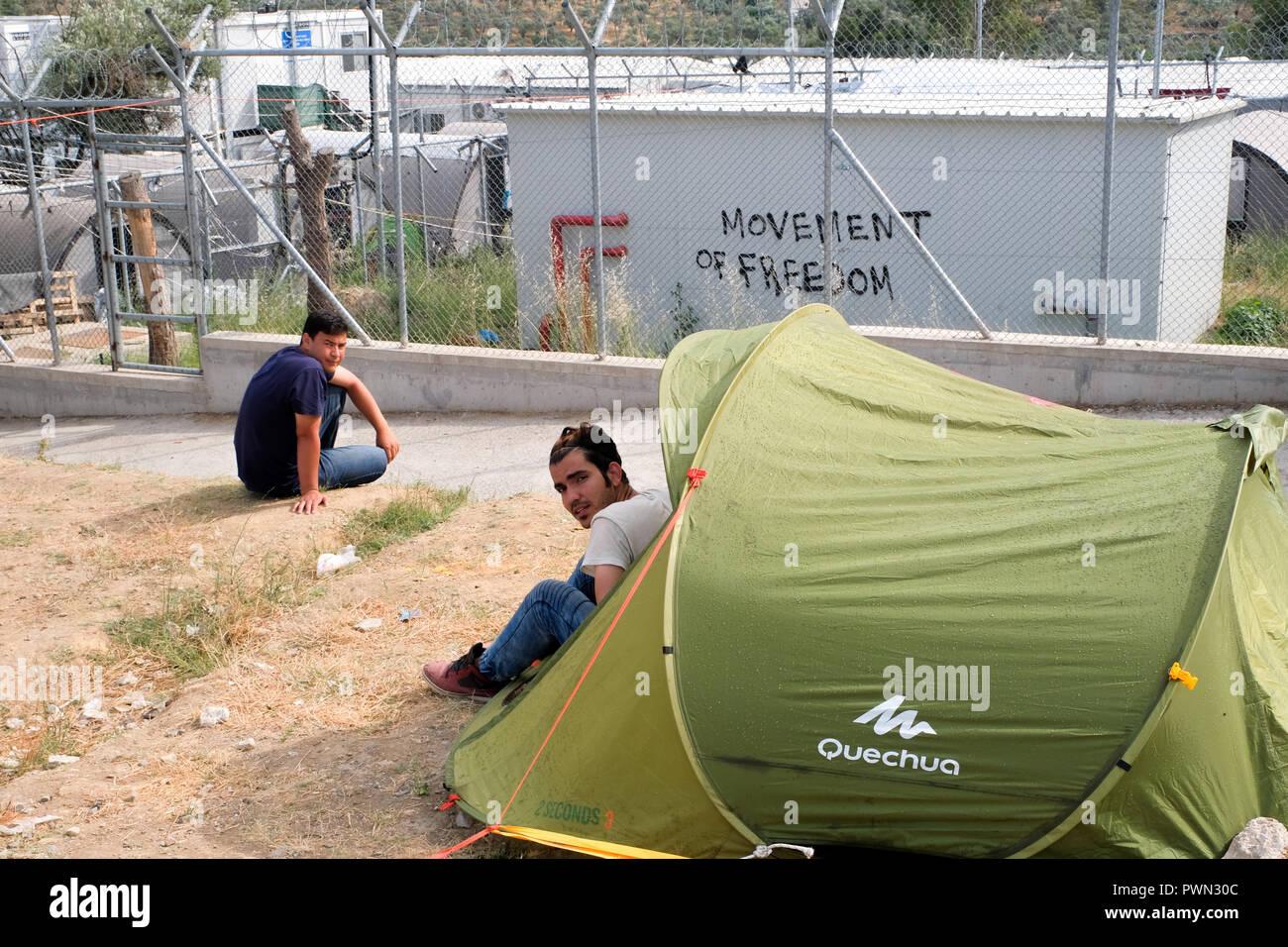 Tent in front of the MORIA CAMP for refugees. Island of Lesbos, Greece, May 2018 - Zelt vor dem MORIA CAMP für Flüchtlinge. Insel Lesbos, Griechenland, Mai 2018 - Stock Image