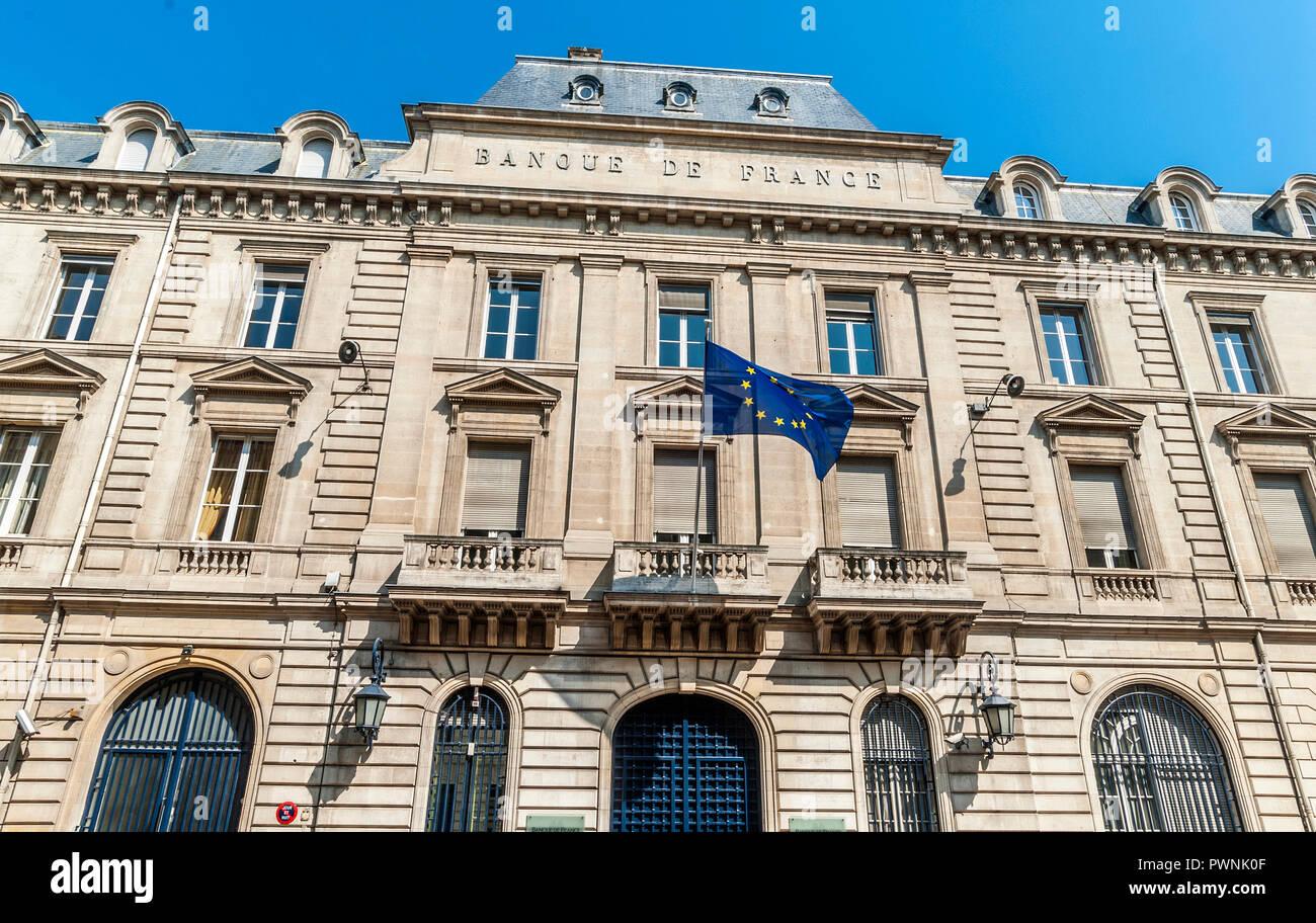 France, Gironde, Bordeaux, Chartrons neighborhood, pediment of the Banque de France on the Esplanade des Quinconces (World Heritage UNESCO) - Stock Image
