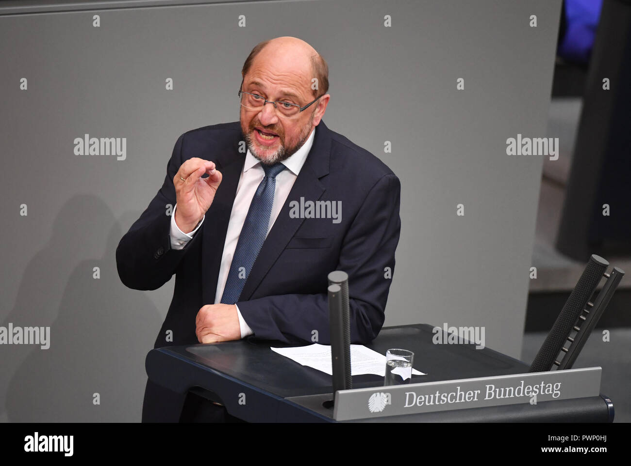Berlin, Germany. 17th Oct, 2018. Martin Schulz (SPD) speaks at the plenary session of the German Bundestag. The 57th session of the 19th legislature will focus on European policy. Photo: Bernd Von Jutrczenka/dpa Credit: dpa picture alliance/Alamy Live News - Stock Image