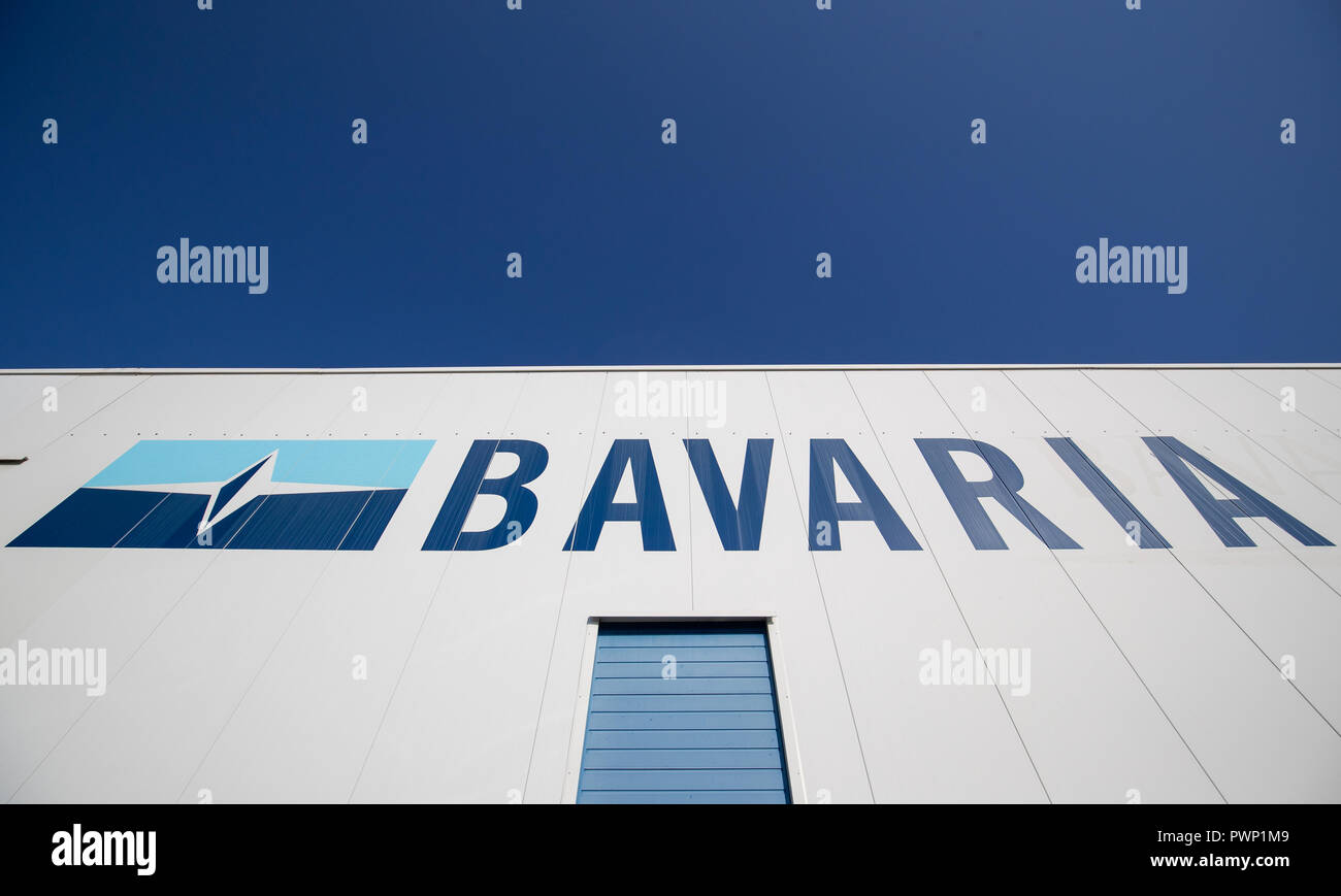 Giebelstadt, Bavaria. 17th Oct, 2018. The logo of the Bavarian boat builder Bavaria Yachtbau stands at a production hall of the company. Credit: Daniel Karmann/dpa/Alamy Live News Stock Photo