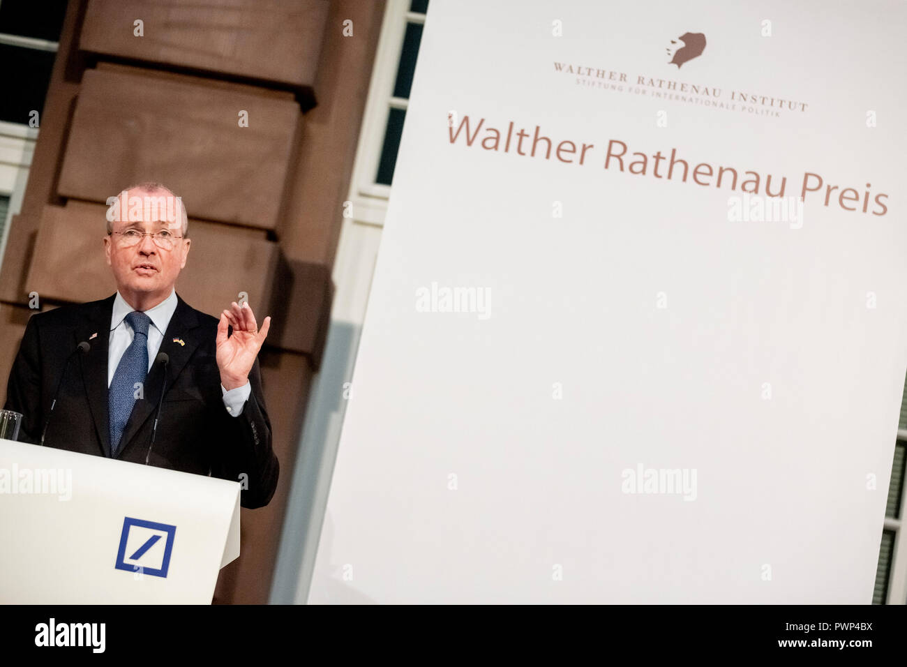 Berlin, Germany. 17th Oct, 2018. 17 October 2018, Germany, Berlin: Philip Murphy, Governor of New Jersey, speaks at the posthumous Rathenau Award 2018 to Guido Westerwelle. Westerwelle is posthumously honoured by the Walther Rathenau Institute, Foundation for International Politics, 'for his work in the sense of a peaceful world order based on international understanding'. Credit: Christoph Soeder/dpa/Alamy Live News - Stock Image