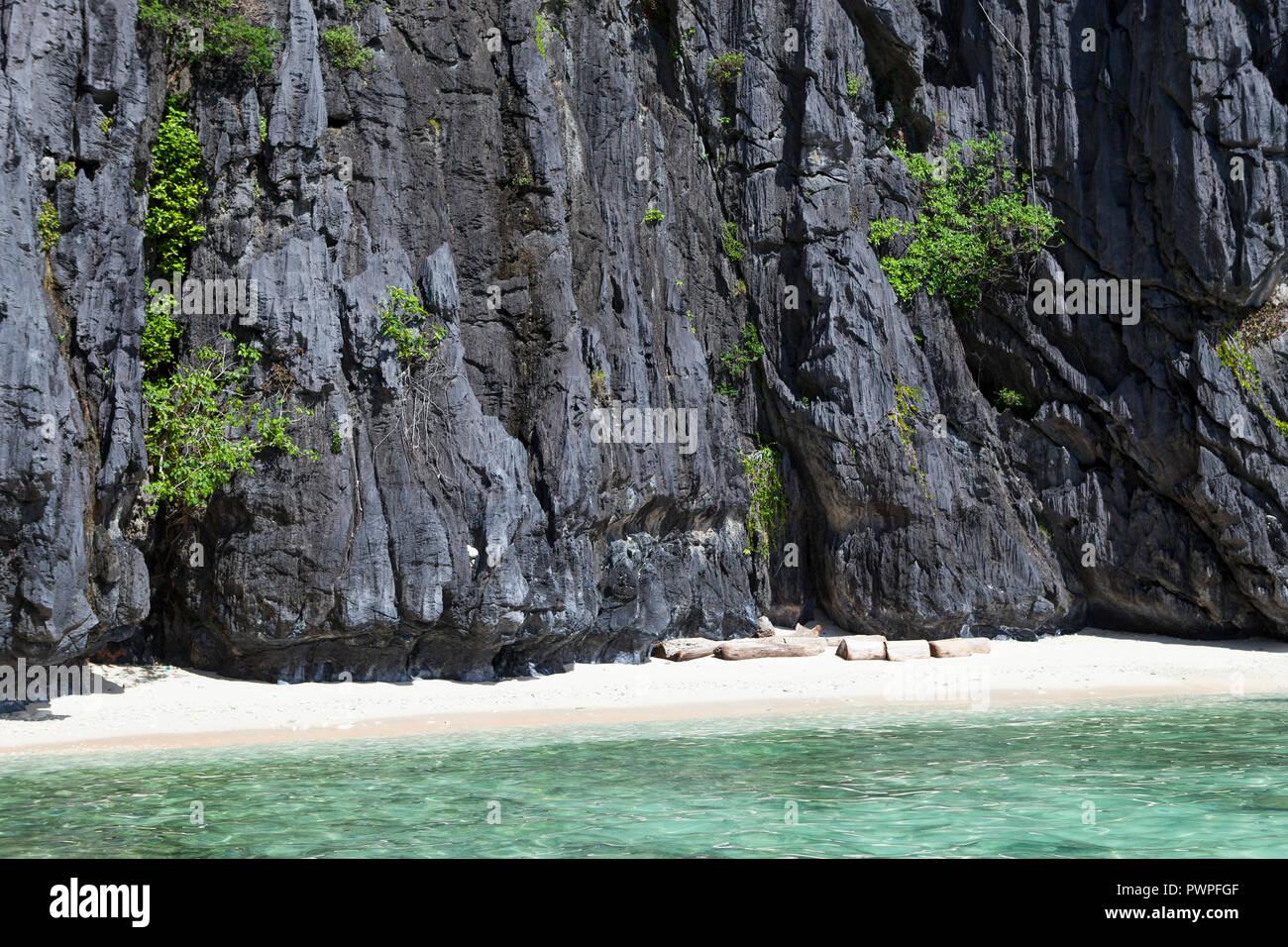 Beach In The Bacuit Archipelago El Nido Palawan Island