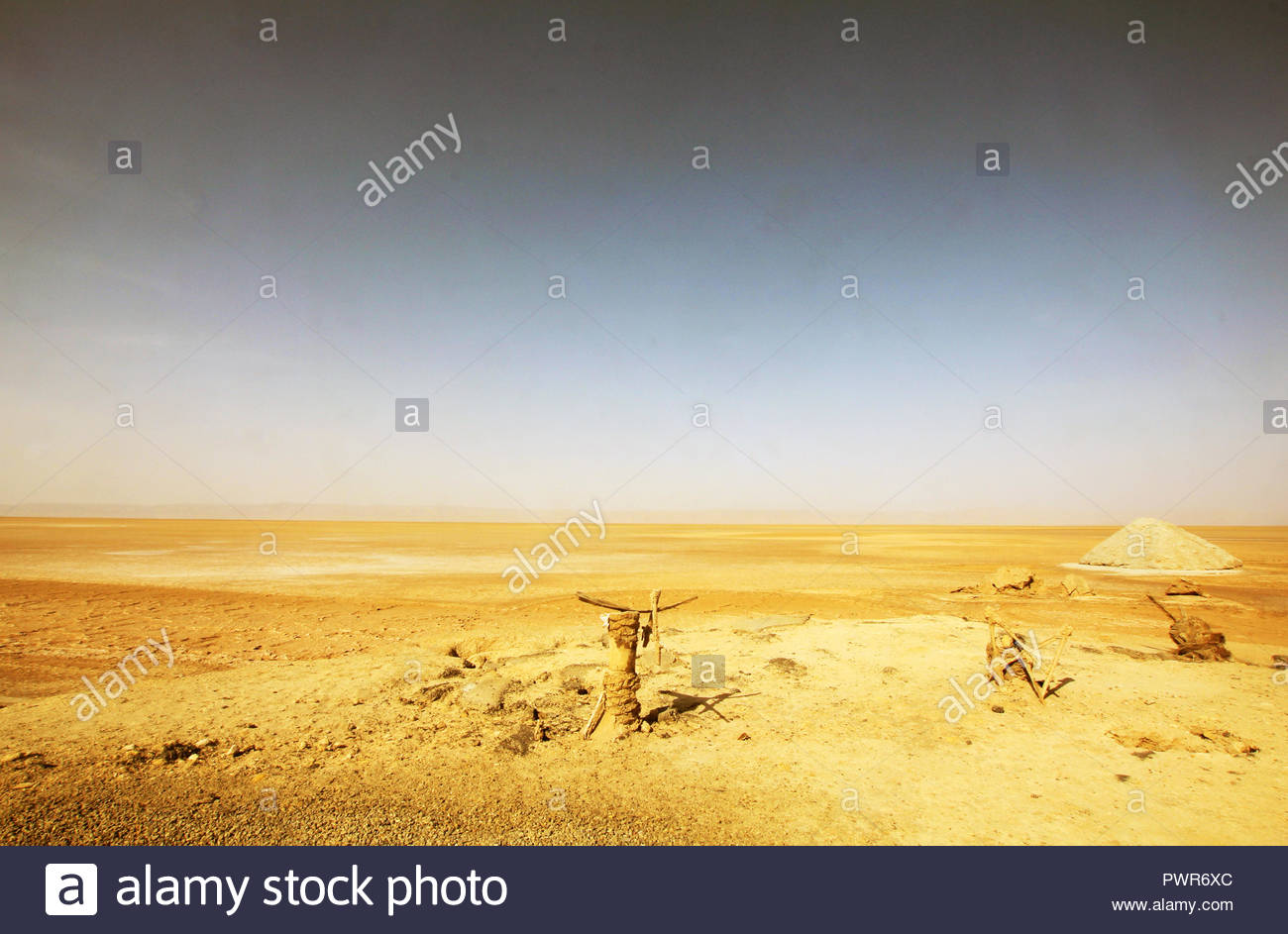 Photo of sandy Sahara desert in Tunisia - Stock Image