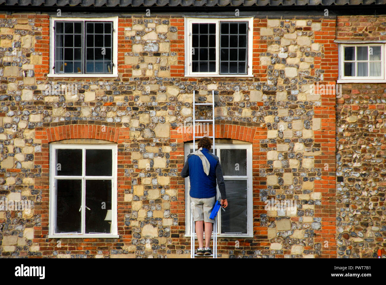 Window Cleaner Ladder Stock Photos Amp Window Cleaner Ladder