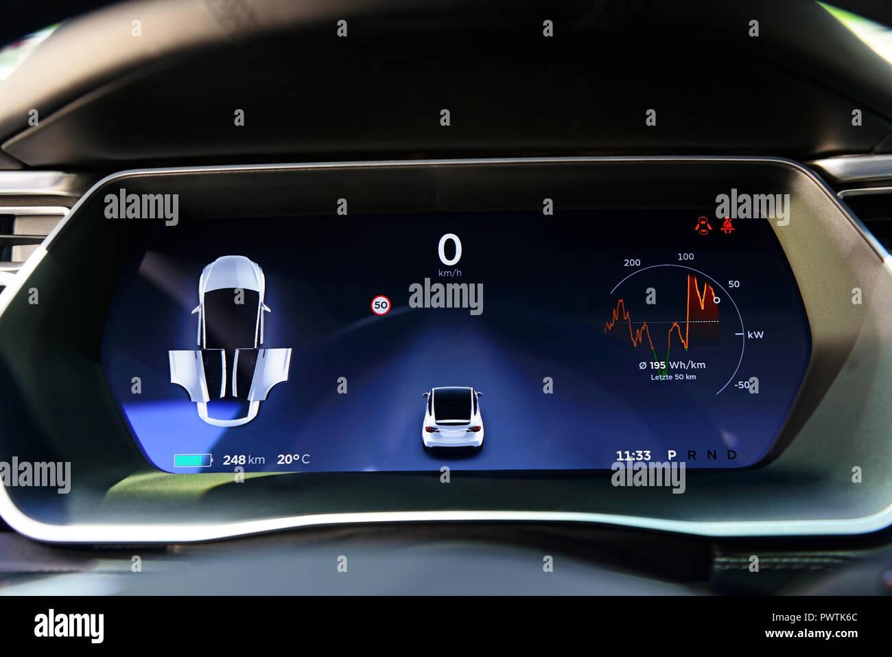 Dashboard with display, detail, TESLA Model X 75, Austria - Stock Image