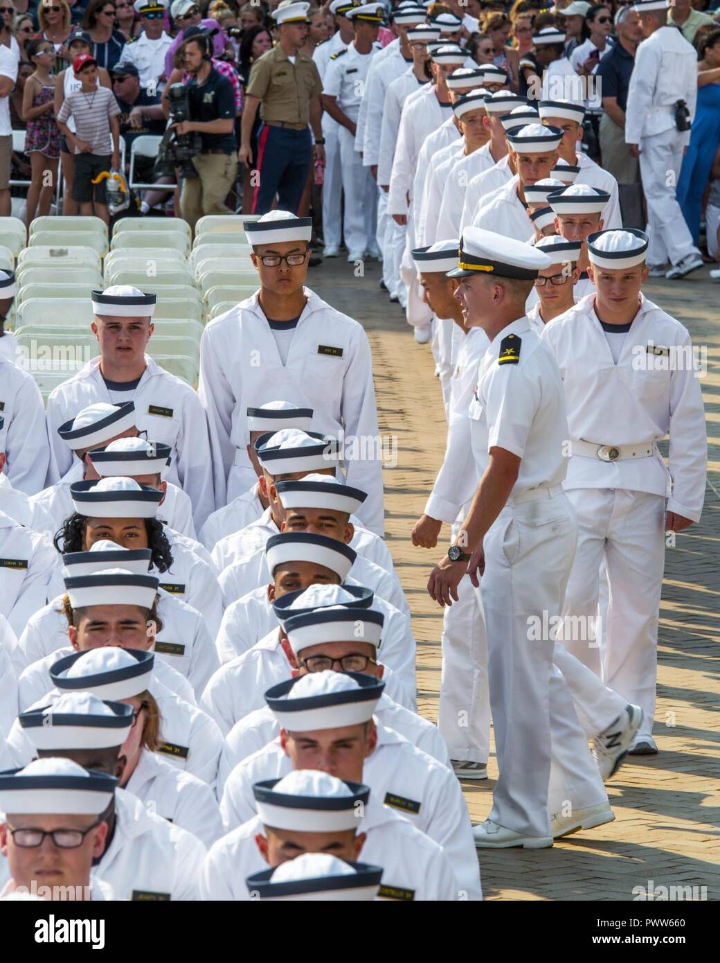 ANNAPOLIS, Md  (June 29, 2017) A midshipman directs incoming