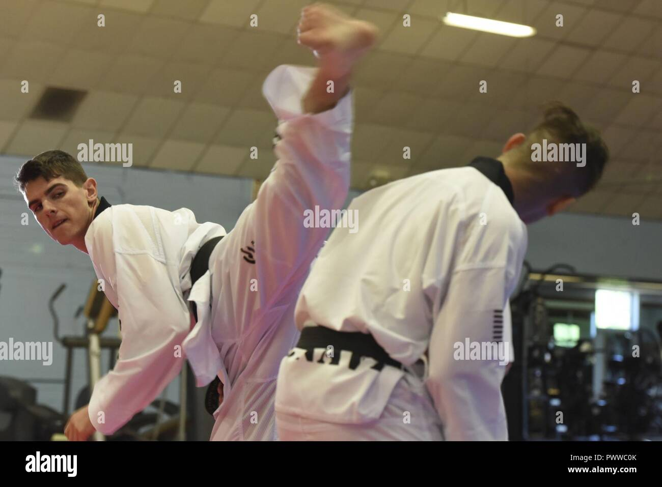 Axe Kick Stock Photos & Axe Kick Stock Images - Alamy
