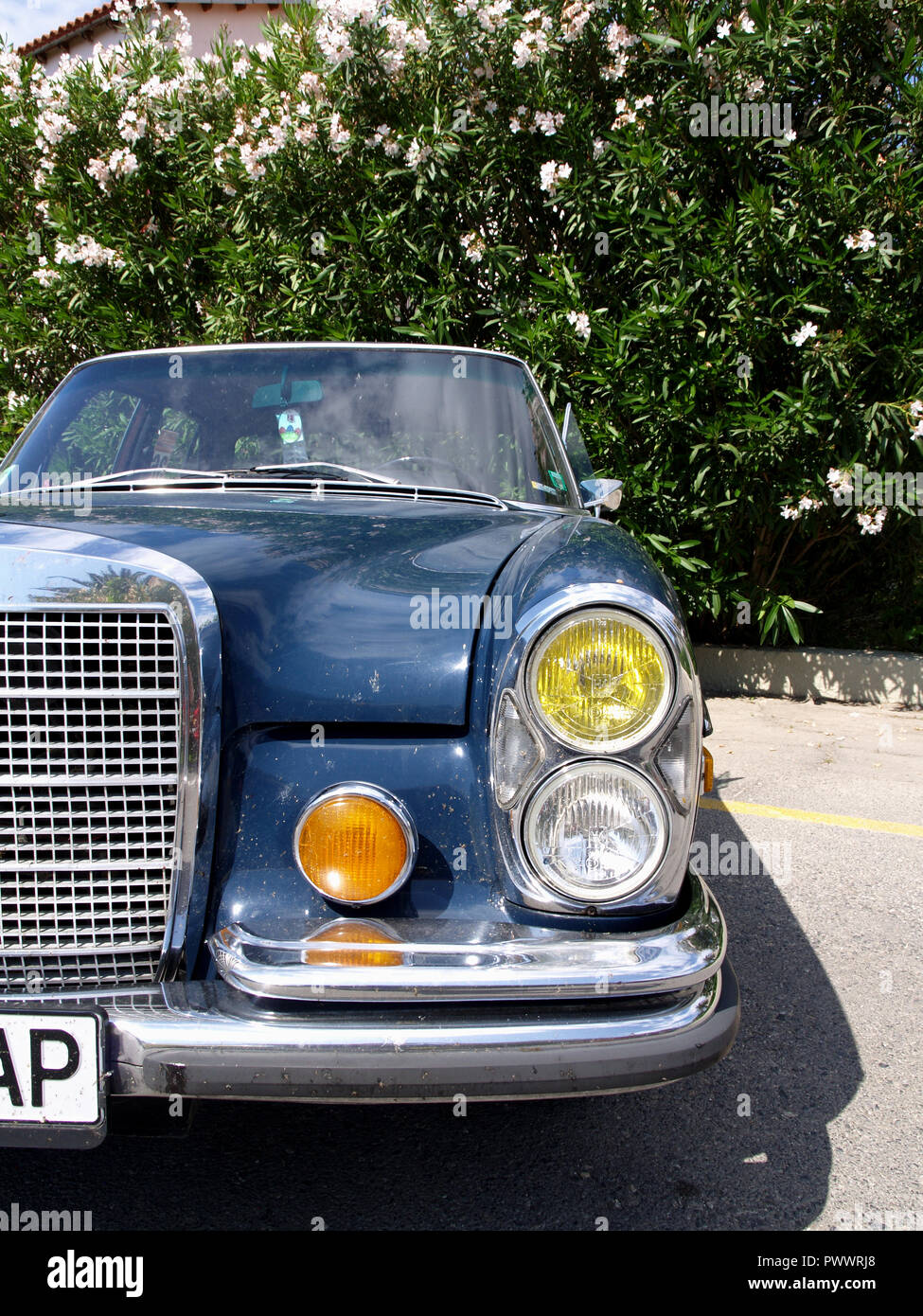 Vintage Mercedes s class on display at the 8th Hellenic Bulgarian LEKAM classic car rally at the Acharavi Park Hotel, Acharavi, Corfu, Greece - Stock Image