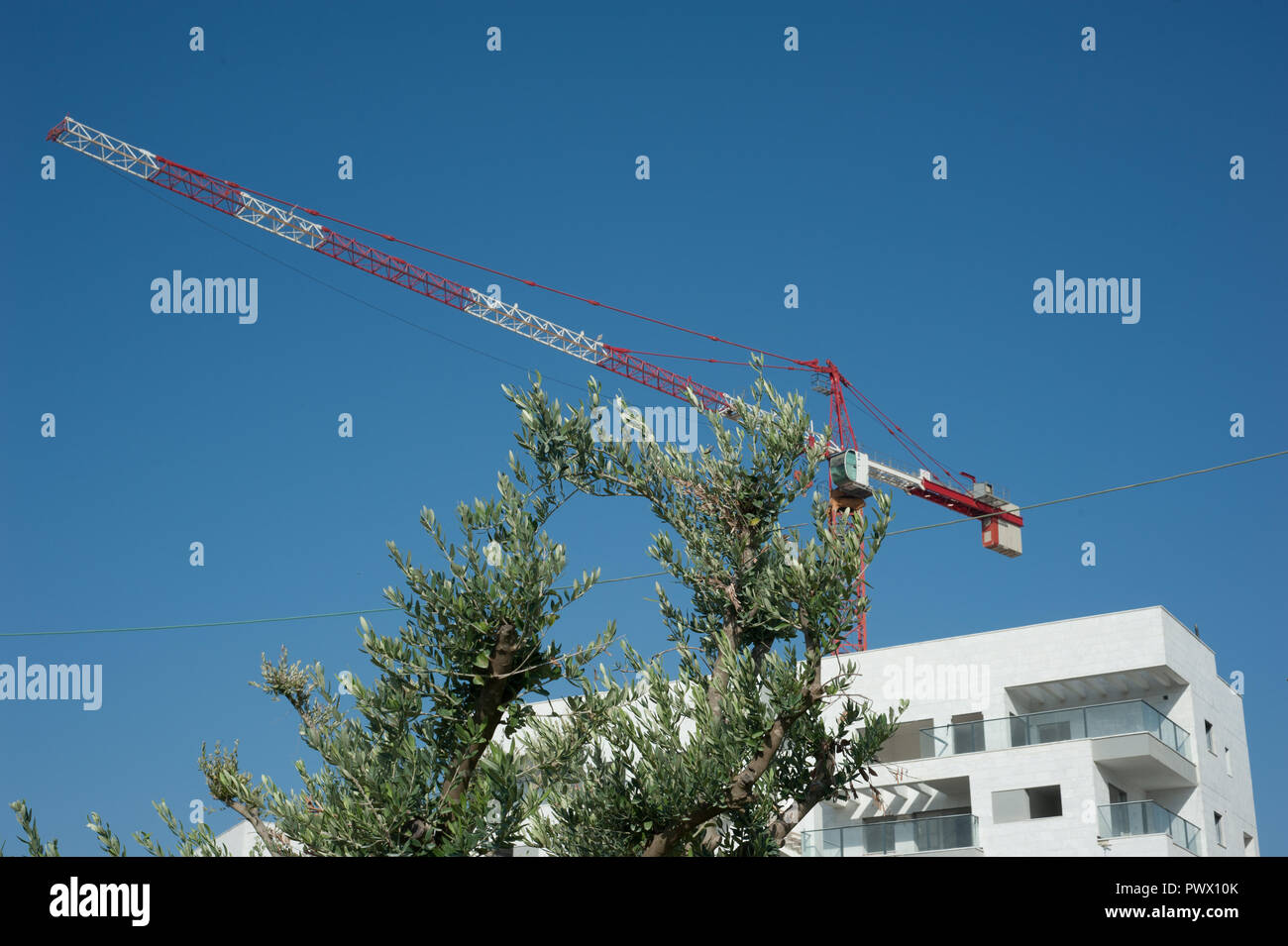 new building with crane - Stock Image