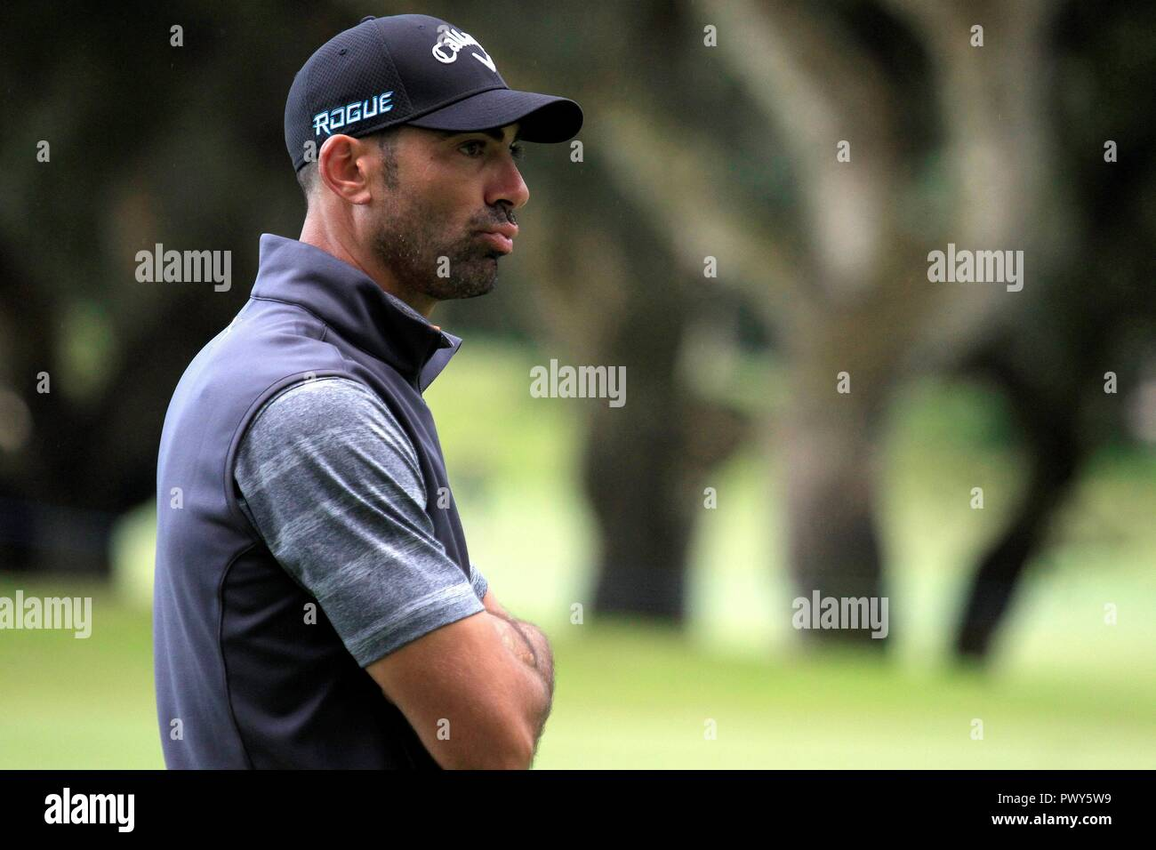 Spanish Alvaro Quiros at the hole 4 during the first round of the Golf 2018 Andalusia Valderrama Master, at the Royal Club Valderrama, in San Roque, Andalusia, Spain, 18 October 2018. EFE/A.Carrasco Ragel - Stock Image