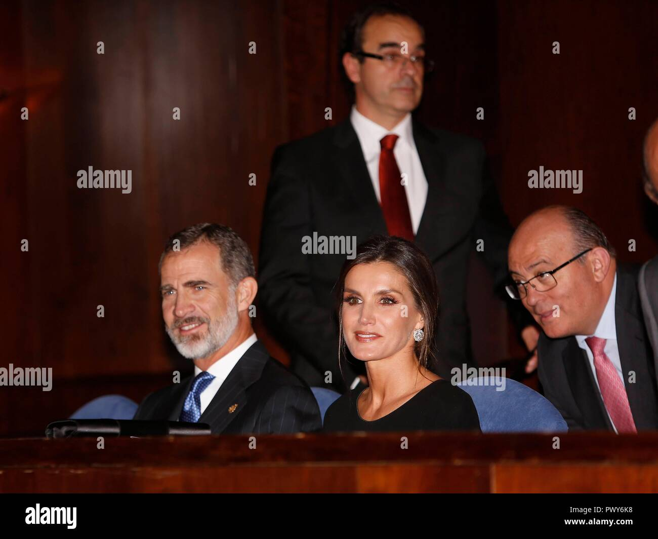 Oviedo, Spain. 18th Oct, 2018. Spanish Kings Felipe VI and Queen Letizia during the celebration of the 27th edition of the concert of the Princess of Asturias Awards 2018 in Oviedo, on Thursday 18 October 2018 Credit: CORDON PRESS/Alamy Live News - Stock Image