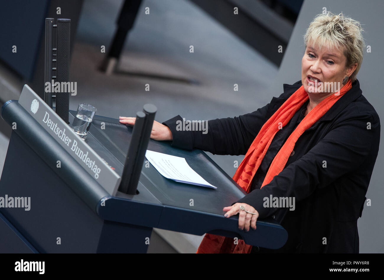 Berlin, Germany. 18th Oct, 2018. Gabriela Heinrich, member of the Bundestag of the SPD parliamentary group, speaks in the Bundestag. Credit: Jens Büttner/dpa-Zentralbild/dpa/Alamy Live News - Stock Image
