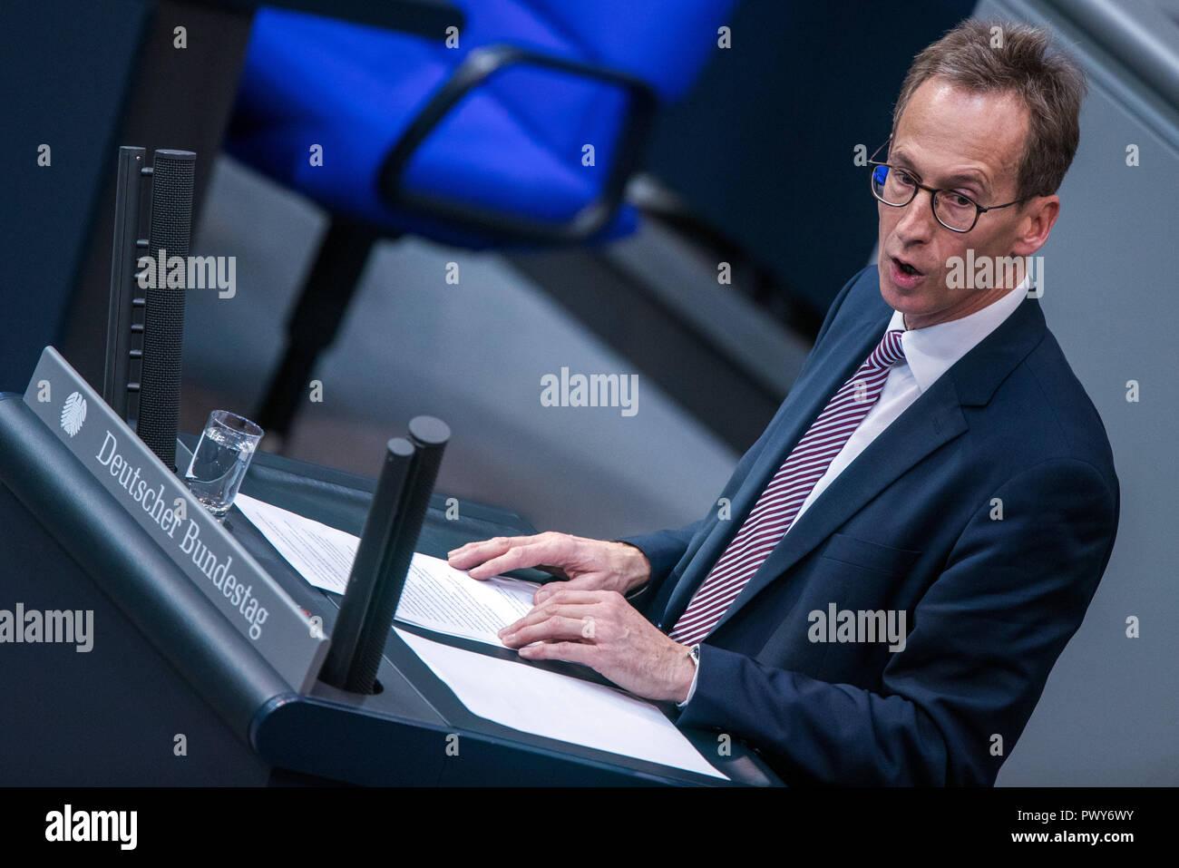 Berlin, Germany. 18th Oct, 2018. Detlef Seif, member of the Bundestag of the CDU/CSU faction, speaks in the Bundestag. Credit: Jens Büttner/dpa-Zentralbild/dpa/Alamy Live News - Stock Image