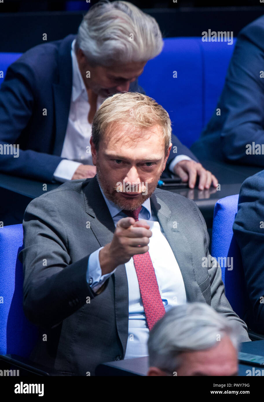 Berlin, Germany. 18th Oct, 2018. Christian Lindner, chairman of the FDP parliamentary group, sits in the Bundestag. Credit: Jens Büttner/dpa-Zentralbild/dpa/Alamy Live News - Stock Image