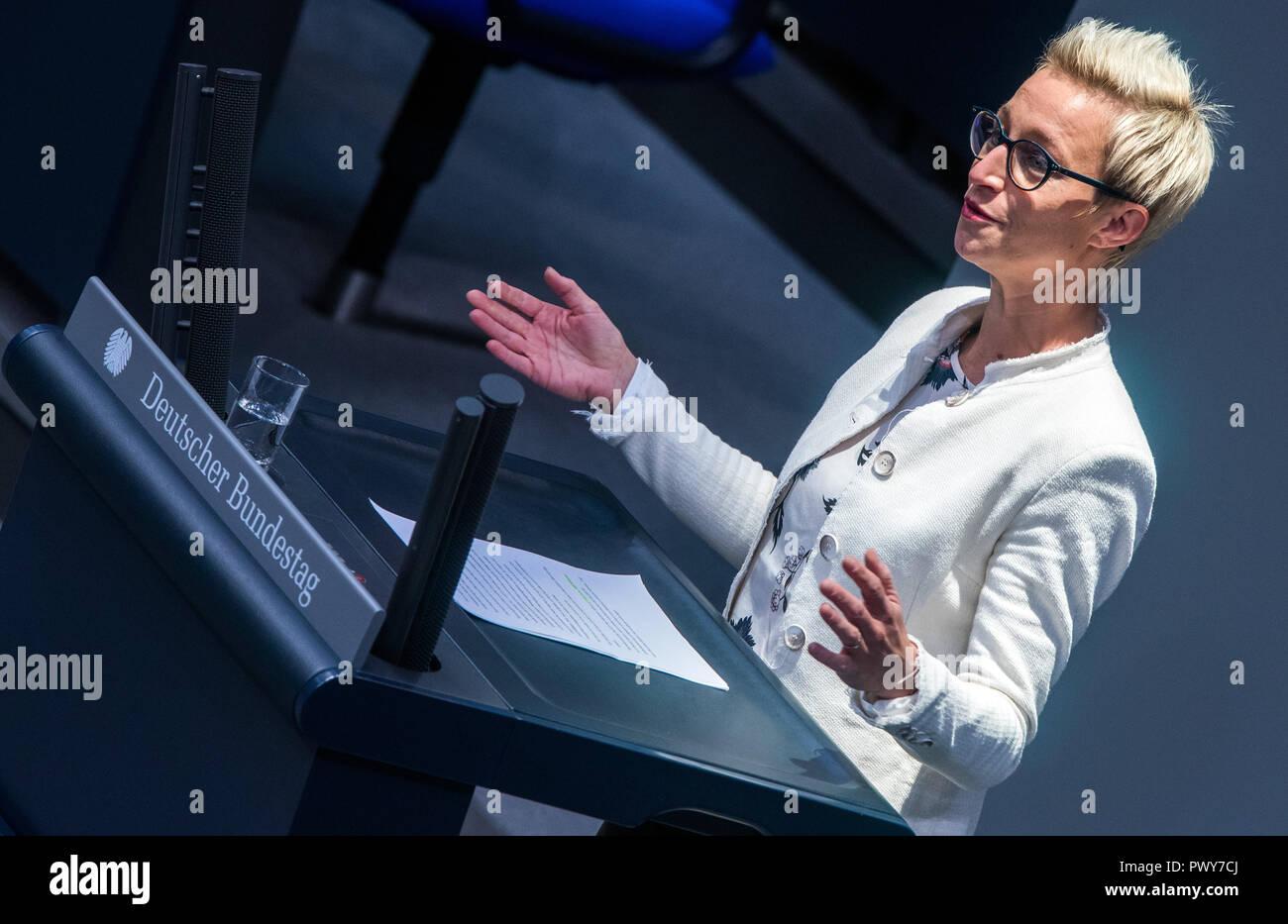 Berlin, Germany. 18th Oct, 2018. Nadine Schön, member of the Bundestag of the CDU/CSU parliamentary group, speaks in the Bundestag. Credit: Jens Büttner/dpa-Zentralbild/dpa/Alamy Live News - Stock Image