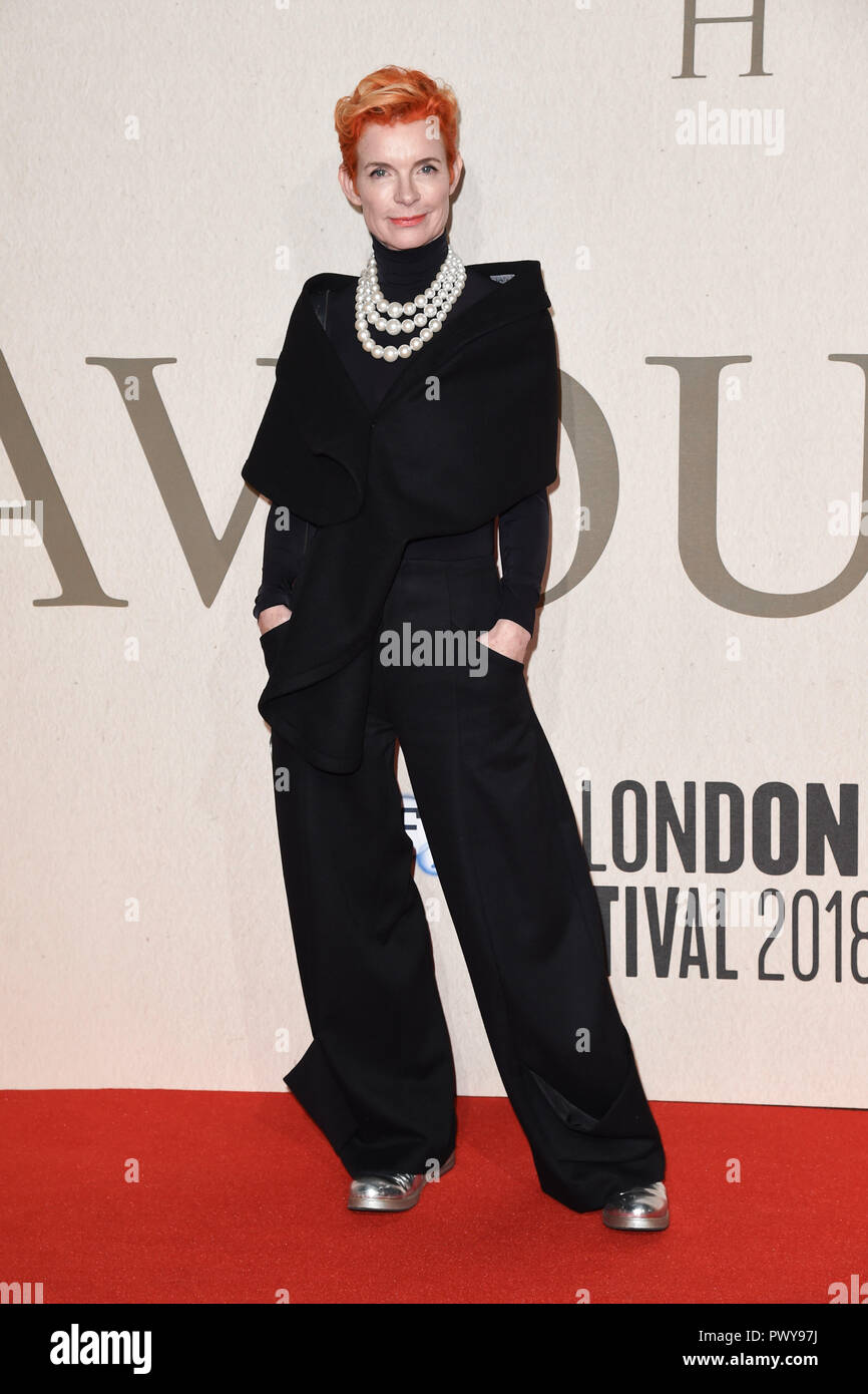 LONDON, UK. October 18, 2018: Sandy Powell at the London Film Festival screening of 'The Favourite' at the BFI South Bank, London. Picture: Steve Vas/Featureflash Credit: Paul Smith/Alamy Live News - Stock Image