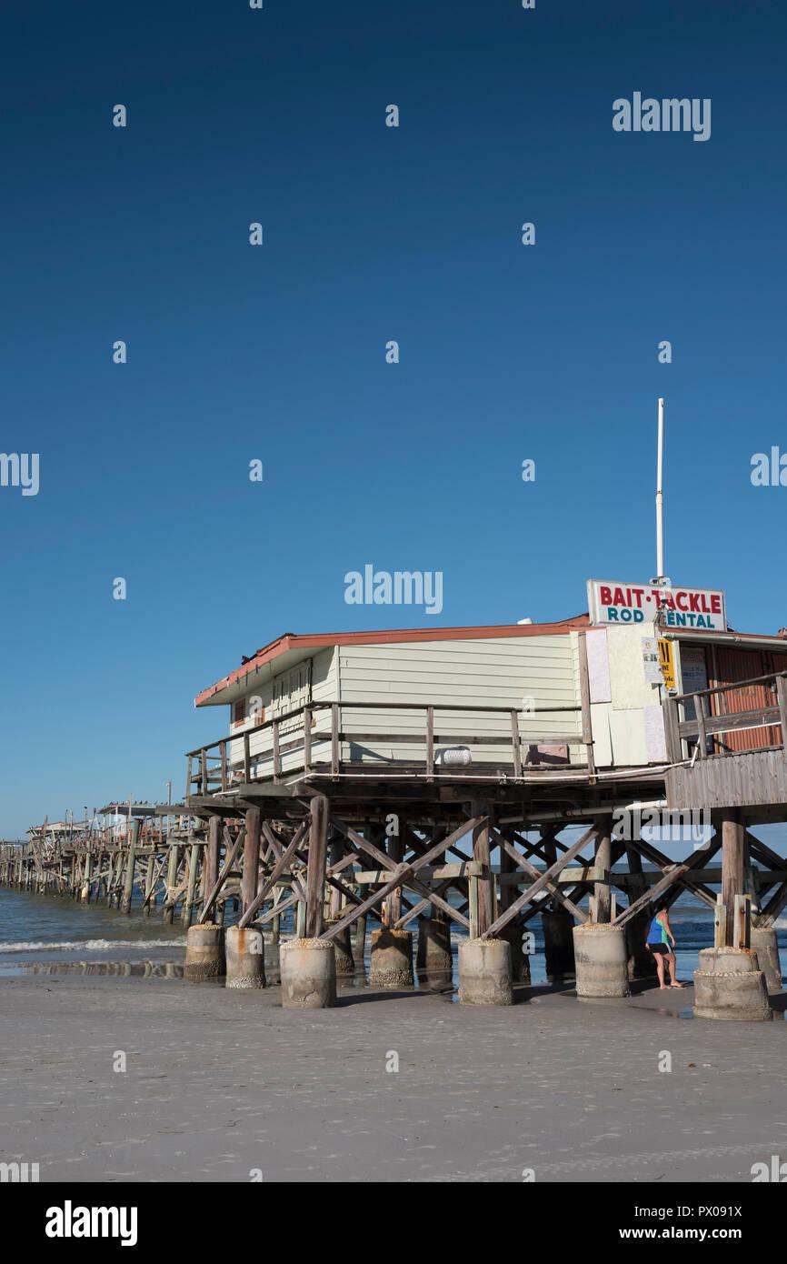Redington Beach, Florida, USA, Thursday. 11th October, 2018, Closed, Condemned, Long Fishing Pier, ©Peter SPURRIER Stock Photo