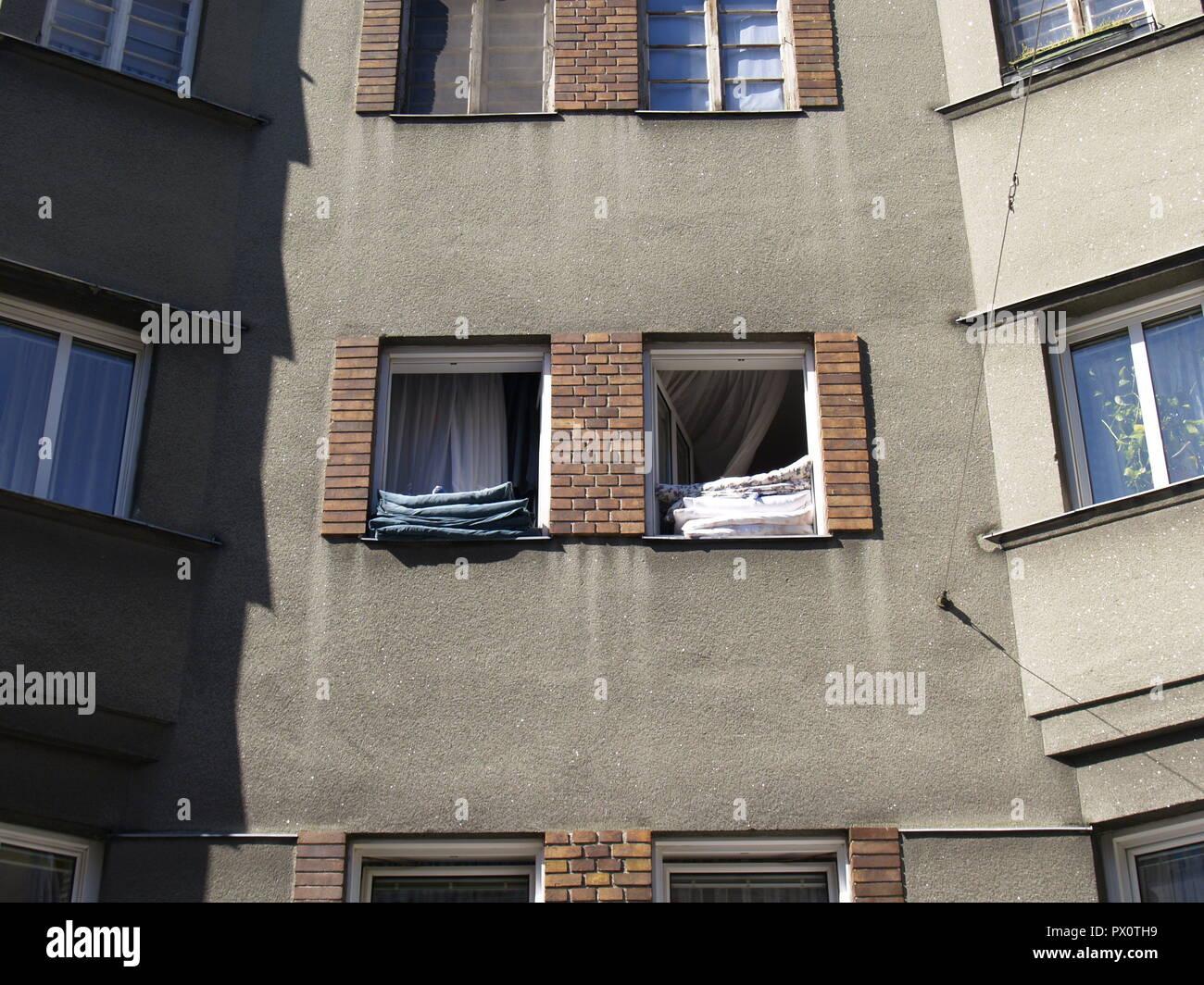 Wien, Gemeindebau des 'Roten Wien' - Vienna, Council Tenement Block, 'Red Vienna' Stock Photo
