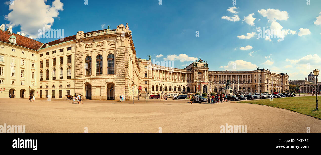 Square Helden - Heldenplatz and Imperial palace (Hofburg) in Vienna. - Stock Image