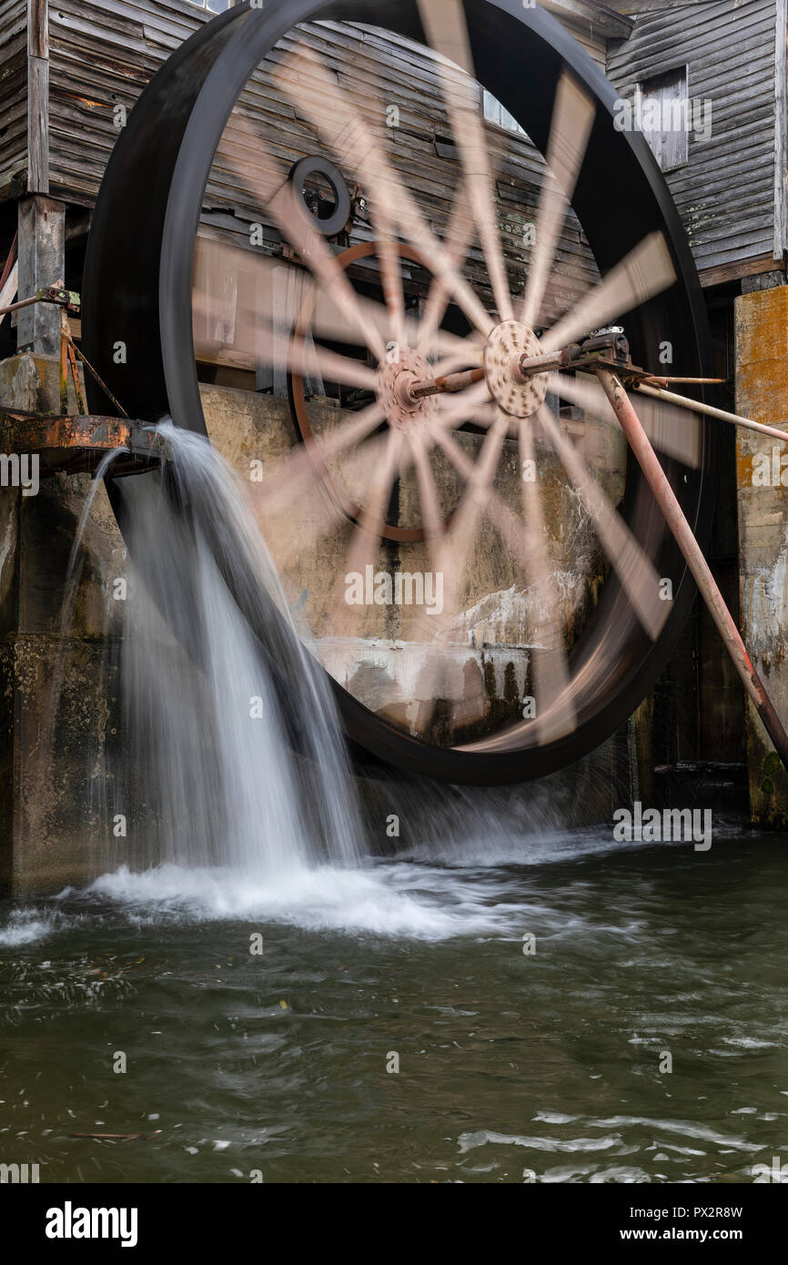 Old Grist Mill Water Wheel - Stock Image