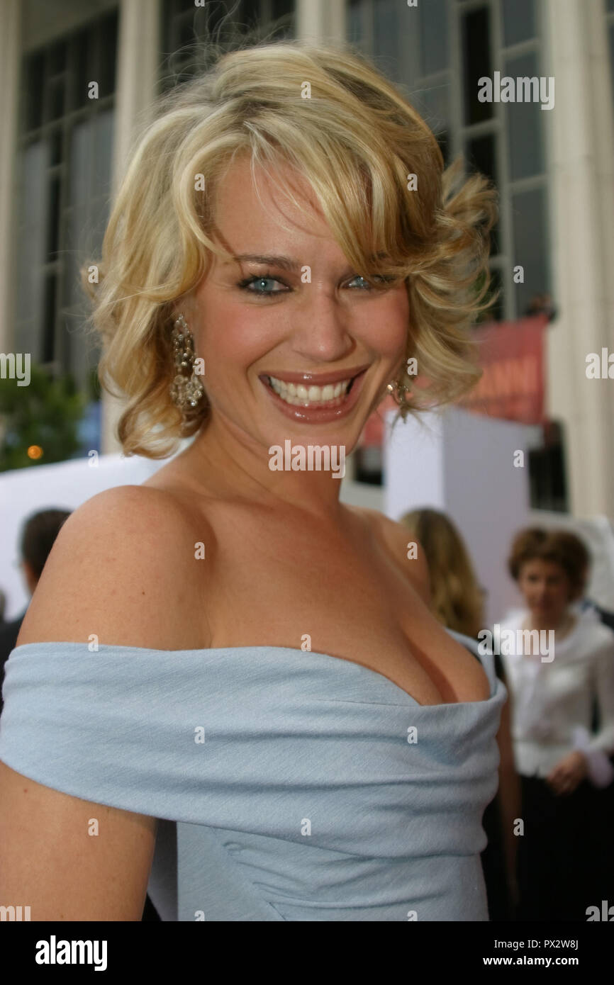 Rebecca Romijn  05/13/03 Los Angeles Opera's Placido Domingo & Friends Concert & Gala @ Dorothy Chandler Pavilion, Los Angeles Photo by Kazumi Nakamoto/HNW / PictureLux  January 7, 2015   File Reference # 33686_980HNWPLX - Stock Image