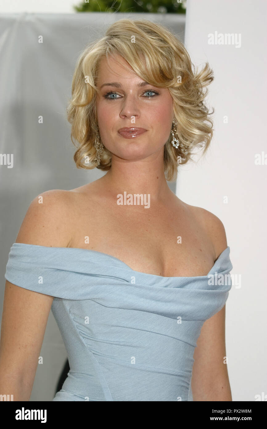 Rebecca Romijn  05/13/03 Los Angeles Opera's Placido Domingo & Friends Concert & Gala @ Dorothy Chandler Pavilion, Los Angeles Photo by Kazumi Nakamoto/HNW / PictureLux  January 7, 2015   File Reference # 33686_982HNWPLX - Stock Image