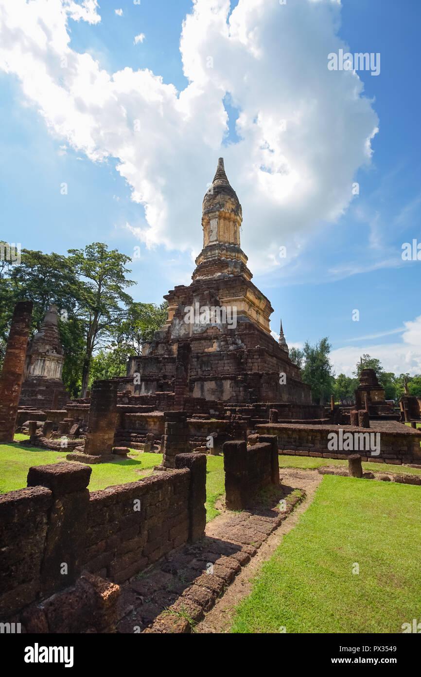 UNESCO World Heritage site Wat Jedi Jed Teaw in Si Satchanalai Historical Park, Sukhothai, Thailand. Stock Photo