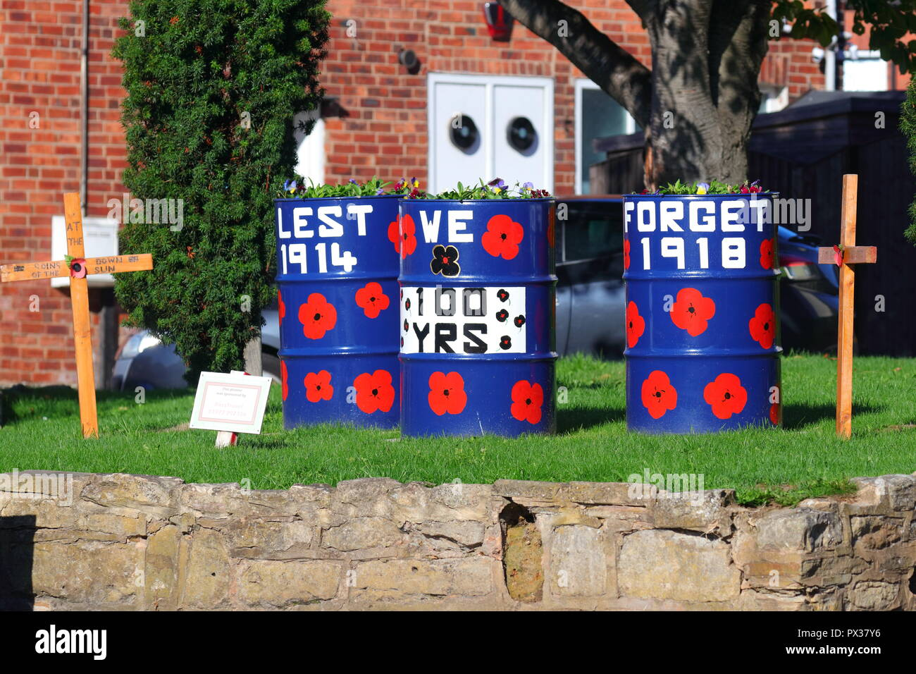 A poppy display in Allerton Bywater, ready for the celebration of 100 years of Armistice Day - Stock Image