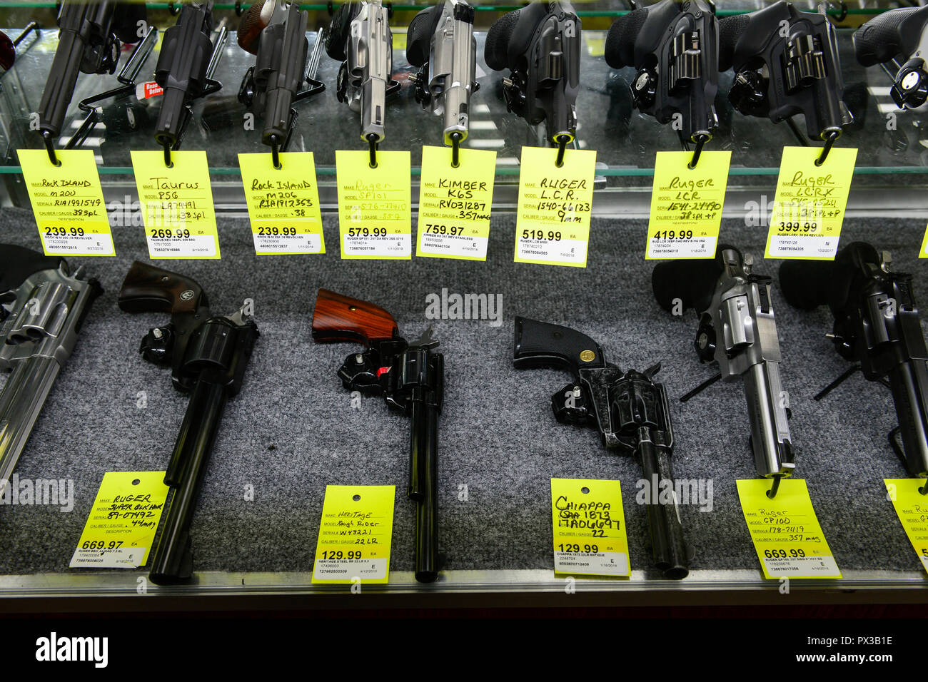 Pistolen Stock Photos & Pistolen Stock Images - Alamy
