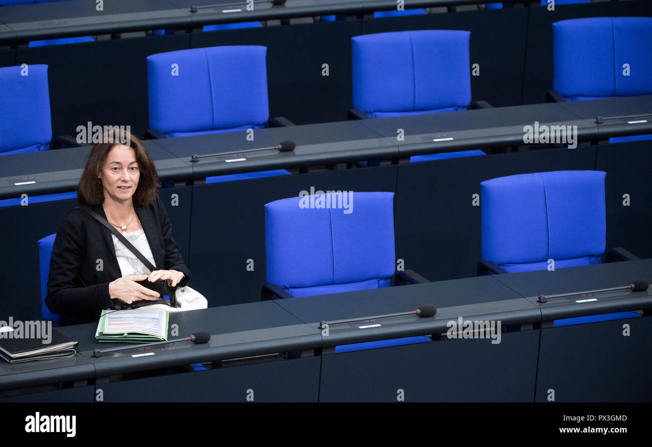 Berlin, Germany. 19th Oct, 2018. Katarina Barley (SPD), Federal Minister of Justice, sits in the plenary session of the German Bundestag. Topics of the 59th session of the 19th legislative period include the rent brake, housing construction, diesel driving bans and freedom of religion. Credit: Bernd von Jutrczenka/dpa/Alamy Live News - Stock Image