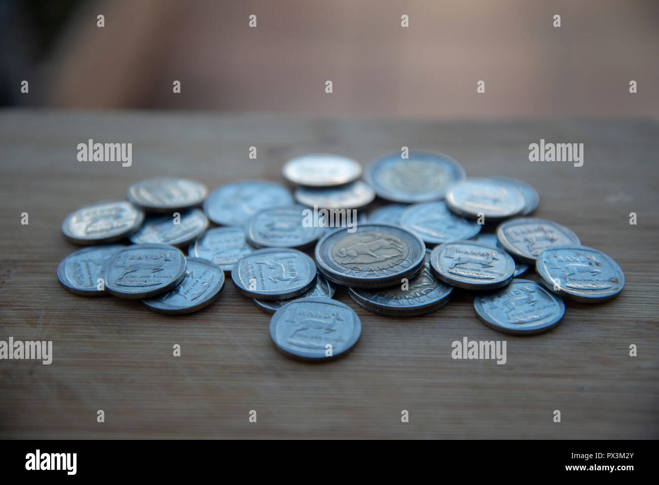 Johannesburg, South Africa, 19 October, 2018. The South African Rand re-gained some of its recent losses and headed into the weekend a little stronger. Credit: Eva-Lotta Jansson/Alamy Live News Stock Photo