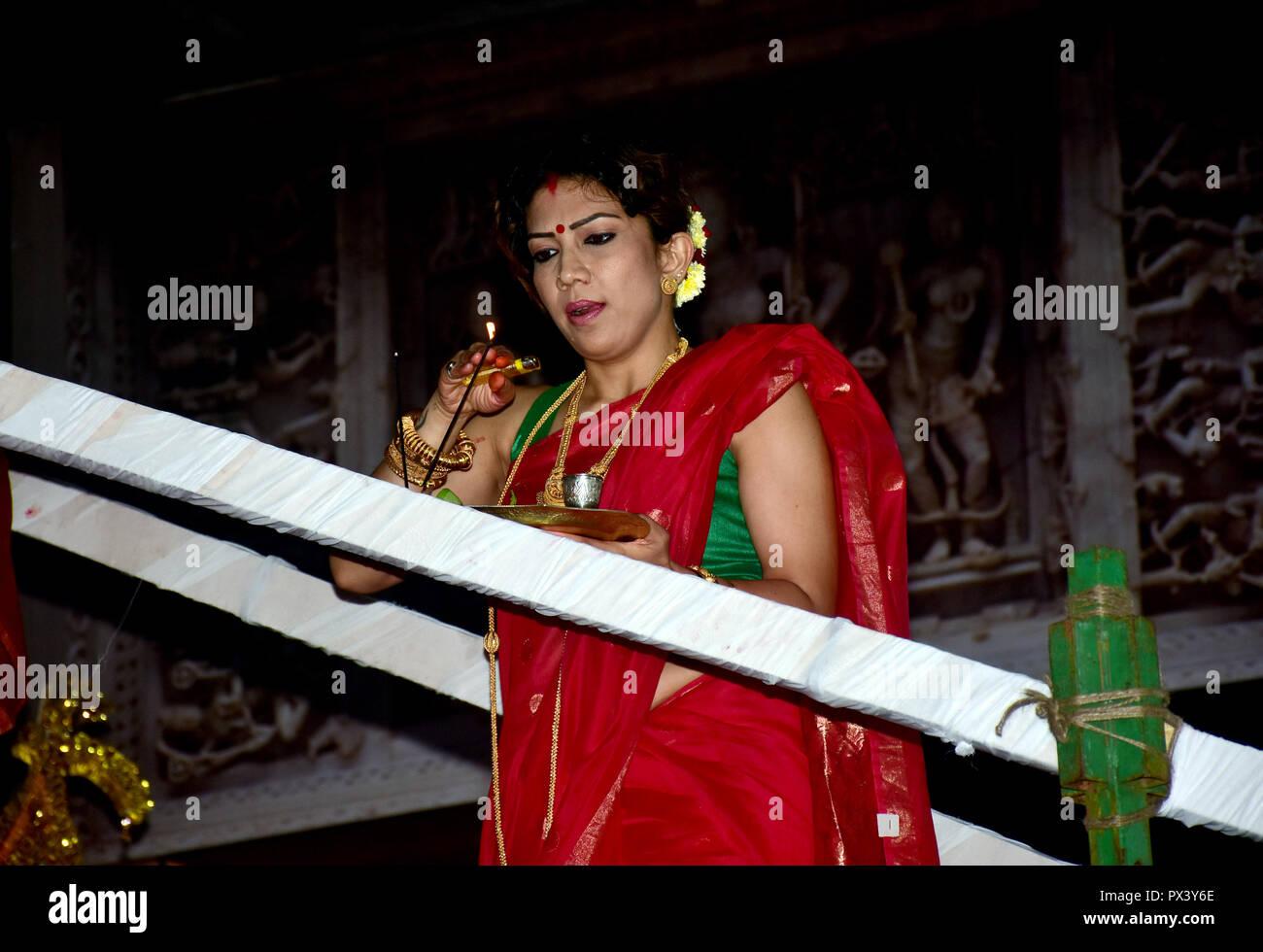 Mumbai married woman