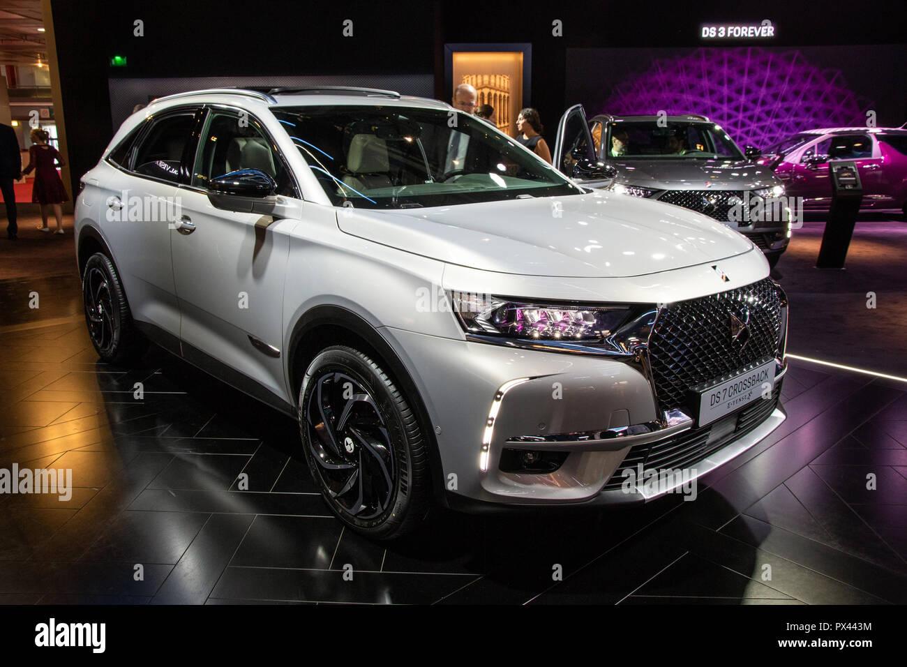 paris oct 2 2018 citroen ds7 crossback e tense car showcased at the paris motor show stock. Black Bedroom Furniture Sets. Home Design Ideas
