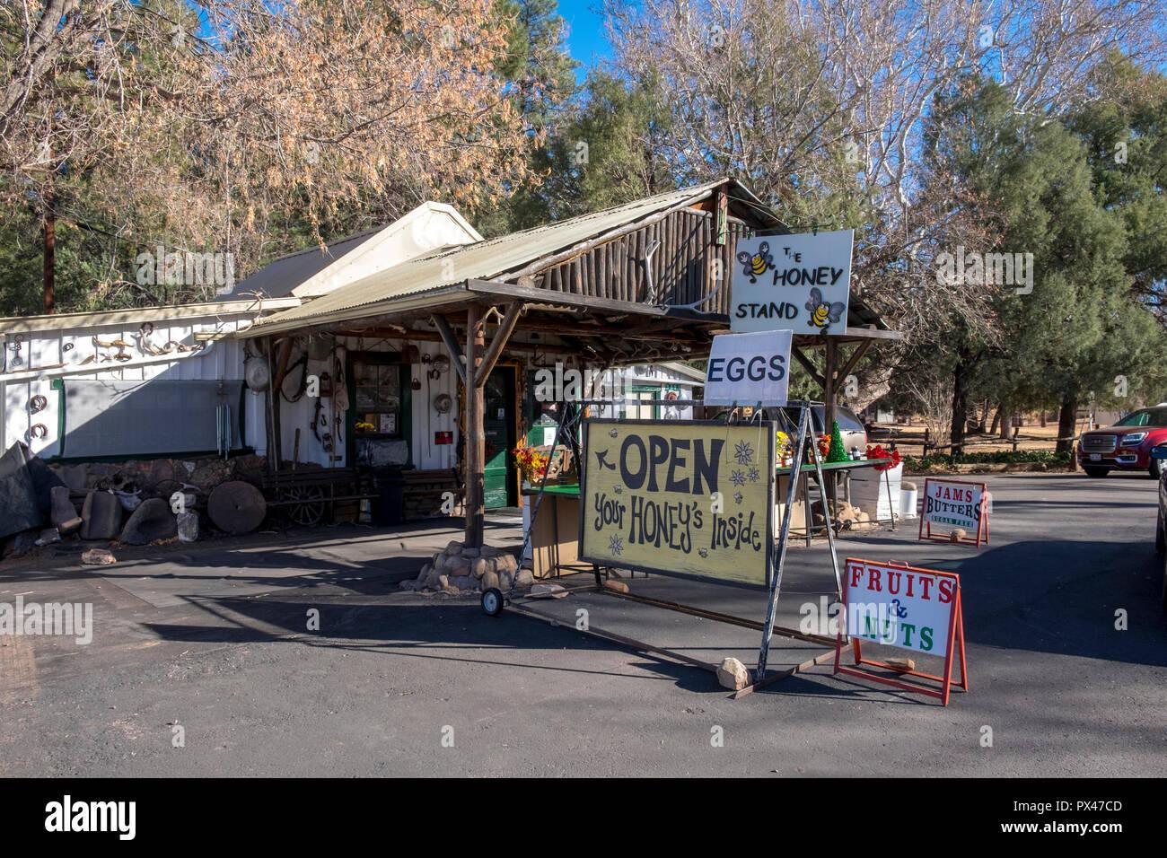 Honey Store Stock Photos Images Alamy Mps Whitehoney Stand Pine Arizona Usa Image