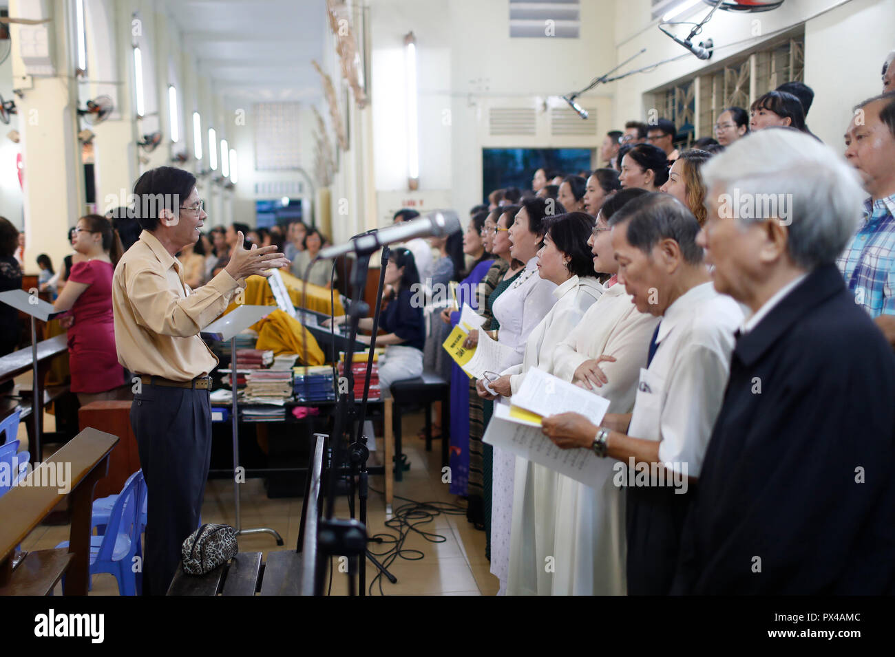 Choral Song Stock Photos & Choral Song Stock Images - Alamy
